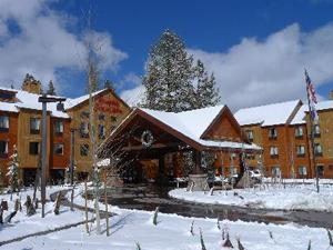 hampton inn and suites tahoe truckee hotel image